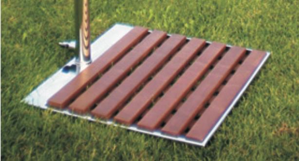 Bodenplatte mit Holzauflage